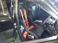 小平市H様 ZC32S スイフトスポーツ Sabelt Top Formula 3インチ 4点式シートベルト取付