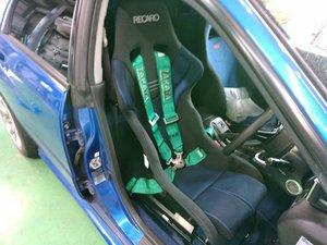 日の出町O様 GDB WRX STI RECARO RS-G GK BL フルバケットシート取付 TAKATA 4点式シートベルト取付