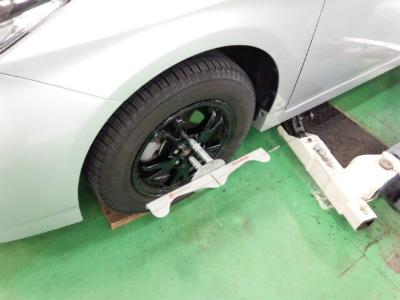 東京都青梅市S様 ZVW30 プリウス アライメント 測定 調整 作業