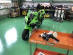 羽村市O様Kawasaki Ninja ZX-10R G' ZOXリアルガラスコート施工作業‼️