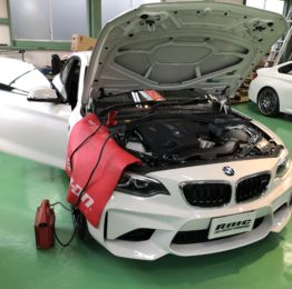 BMWF87M2クーペ デイライトコーディング ドアミラーコーディングSnap-onMTG5000 武蔵村山市K様弊社販売車BMWF87M2クーペ🚗
