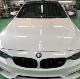 BMWF82M4COMPETITION Hi-MOHS COAT THE NEO超撥水ハイエンドガラスコーティング施工‼️デモカーBMWF82M4COMPETITIONアルピン3