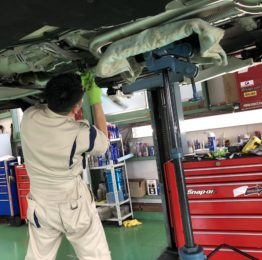 BMW F82M4 6MT アクラポビッチマフラー取付❗️AKRAPOVICチタンマフラー