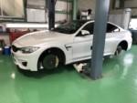 BMWF82M4タイヤ交換❗️青梅市Y様BMWF82M4