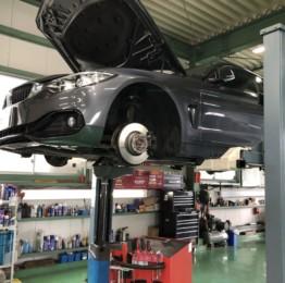 BMWF32428iクーペ車検整備作業!青梅市Y様BMWf32428iクーペ