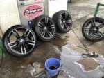BMWF87M2クーぺ法定12ヶ月点検整備、ホイール洗浄作業。青梅市M様BMWF87M2クーぺ